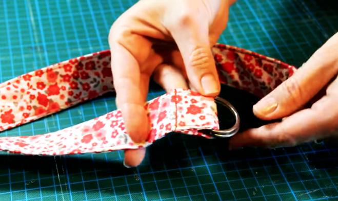 costura de doblez con hebillas para cinturón de tela