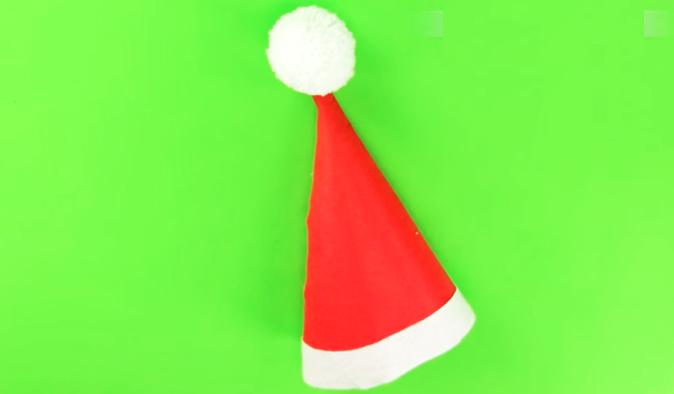 gorro de tela para navidad terminado