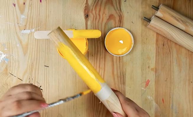 pintura de patas para reciclaje de mesa con tela