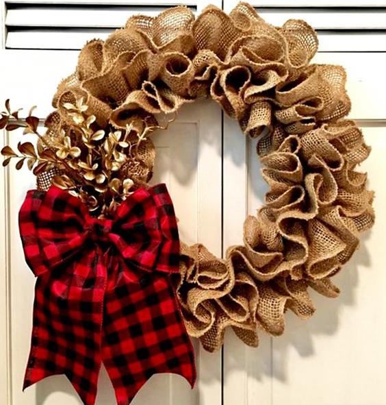 Cómo hacer una corona navideña de tela