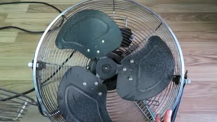 desarme de ventilador para decoración con tela