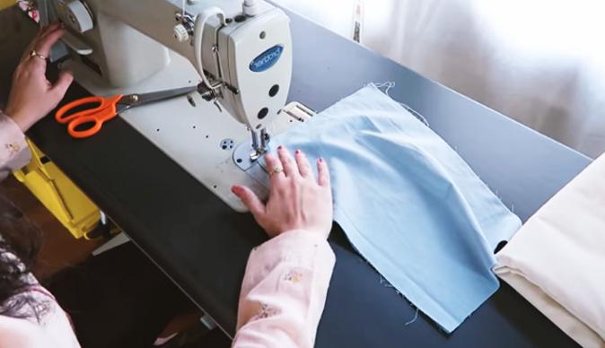 costura de piezas de tela para bolsa de residuos de auto