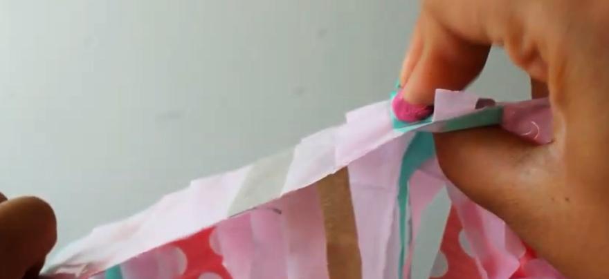 colocación de masilla adhesiva para cortina de telas para eventos