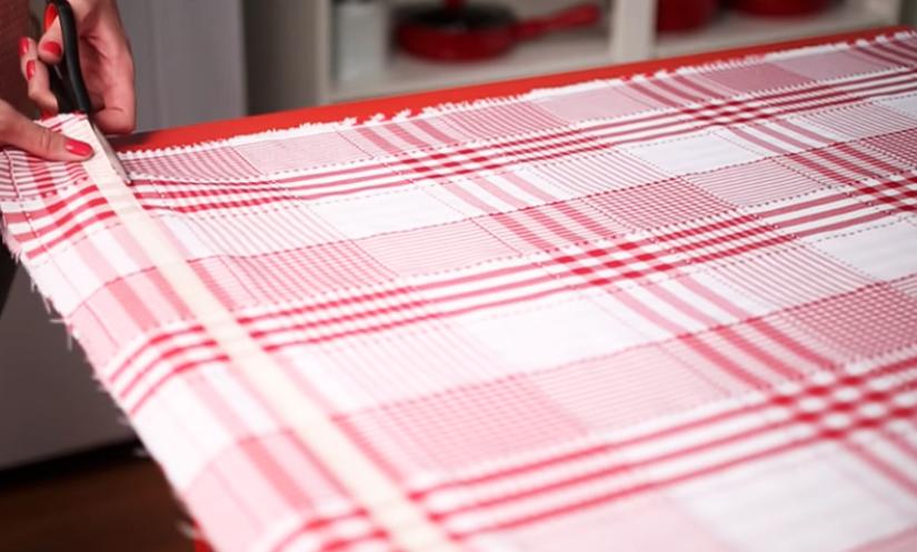 corte de tela para cortina bajo mesada