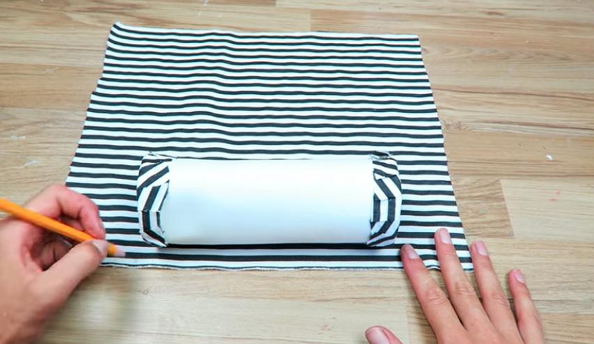 medida y corte de tela principal para cartuchera cilíndrica