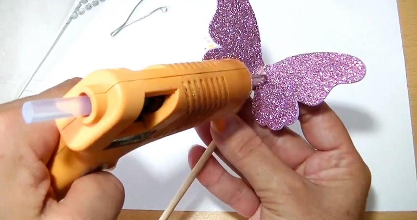 pegado de primer mariposa en tela paramóvil