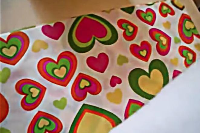 colocación de relleno sobre tela para colchoneta de ejercicios
