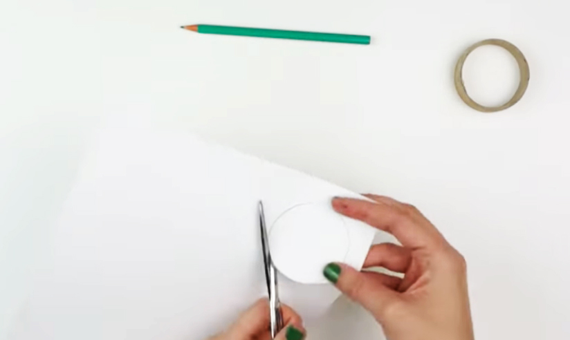 dibujo de circulo en cartulina para caleidoscopio decorado en tela