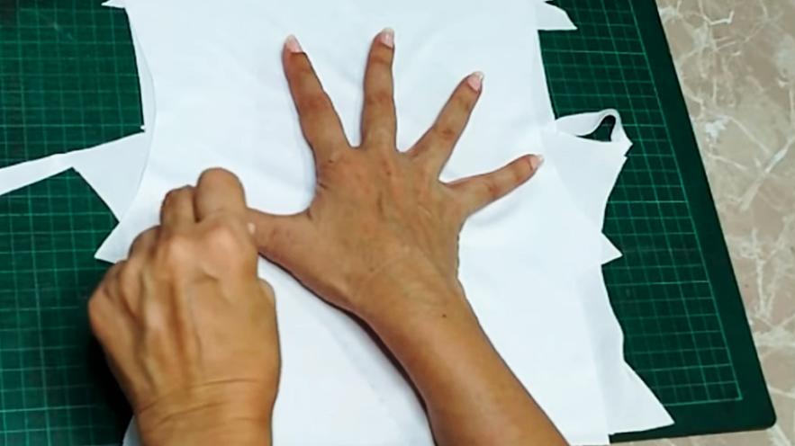 dibujo y marcado de mano en tela para guantes de protección contra coronavirus