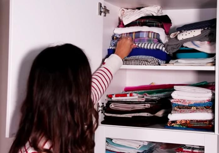 rejunte de telas y retazos para organización de espacio de costura con método Marie Kondo