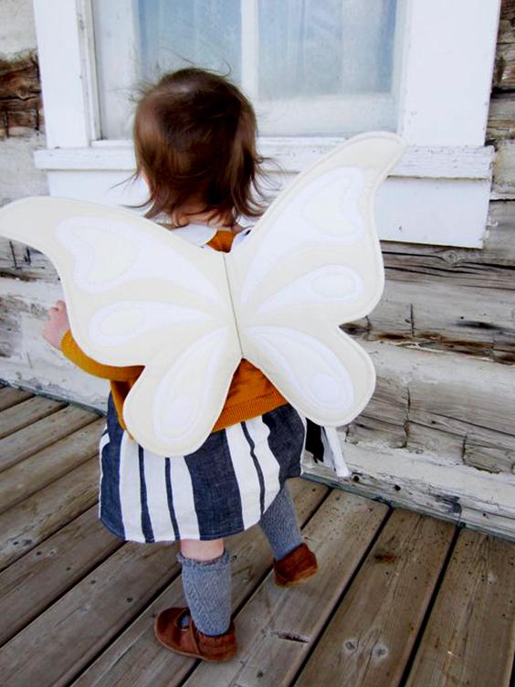 Cómo hacer un par de alas de mariposa de tela