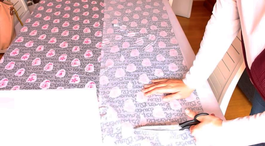 realización de segunda mitad del patalón para pijama de tela