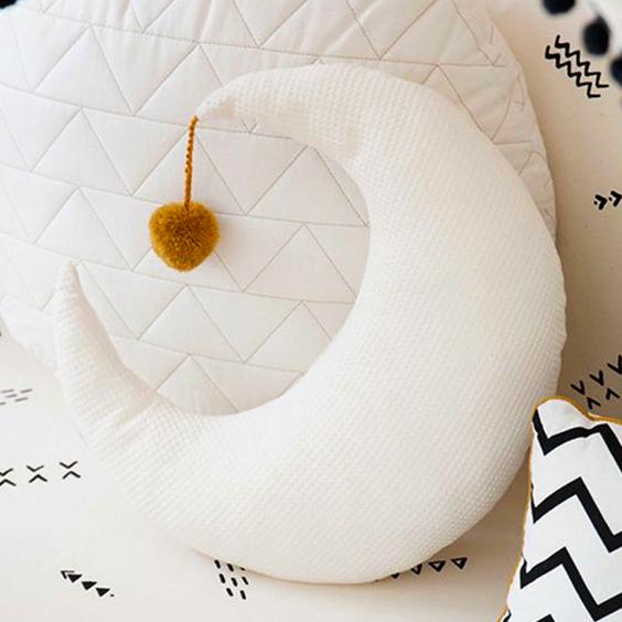 Cómo hacer un almohadón de tela en forma de luna
