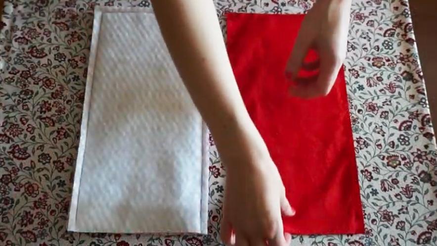 costura de piezas de guata y entretela con piezas de tela para funda de plancha de pelo